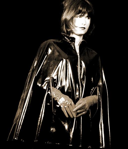 http://cape-fashion.de/files/gimgs/10_latexcape1.jpg