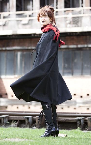 http://cape-fashion.de/files/gimgs/11_raincape16.jpg