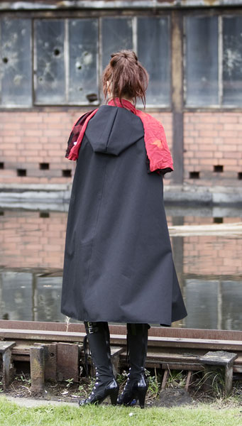 http://cape-fashion.de/files/gimgs/15_raincape12.jpg