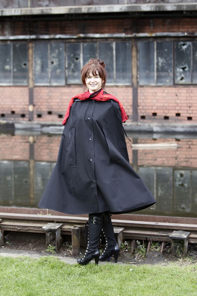 http://cape-fashion.de/files/gimgs/15_raincape13.jpg
