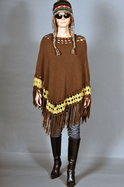 http://cape-fashion.de/files/gimgs/22_strickponchozarah.jpg