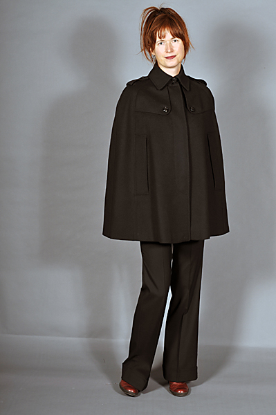 http://cape-fashion.de/files/gimgs/23_burberrycapeschwarz3.jpg