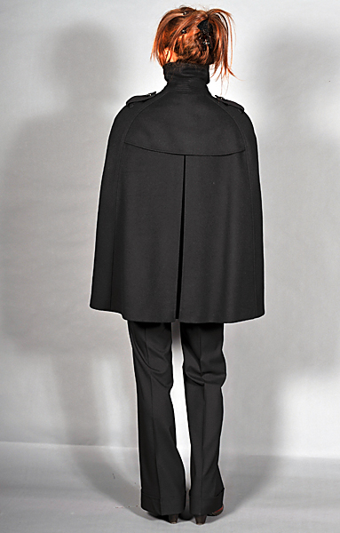 http://cape-fashion.de/files/gimgs/23_burberrycapeschwarz4.jpg