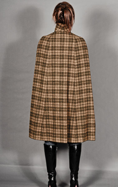 http://cape-fashion.de/files/gimgs/26_vintagecape3.jpg